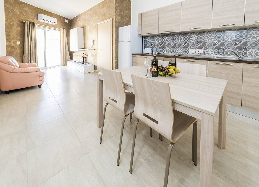 holidays-in-malta-guest-house-apartment-gzira-kitchen_1