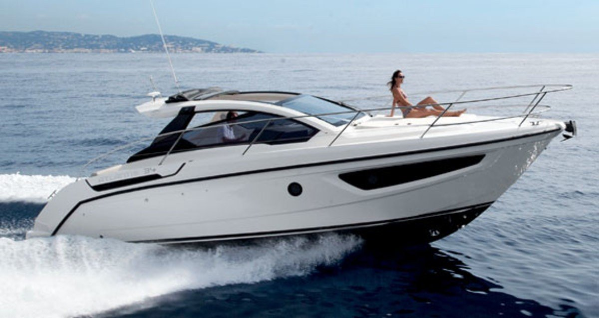 Luxury yacht charter in Malta