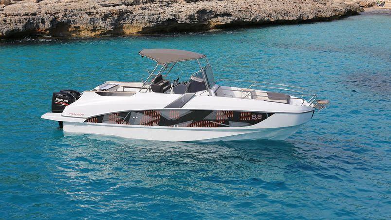 Hire a motor boat in Malta