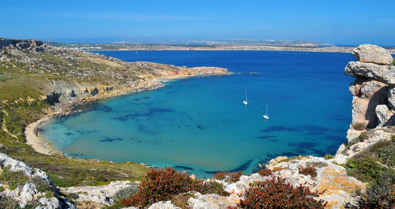 Best Sandy Beaches on the Island of Malta and How to Get There