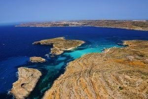 Ultimate guide to flights to Malta Blue Lagoon
